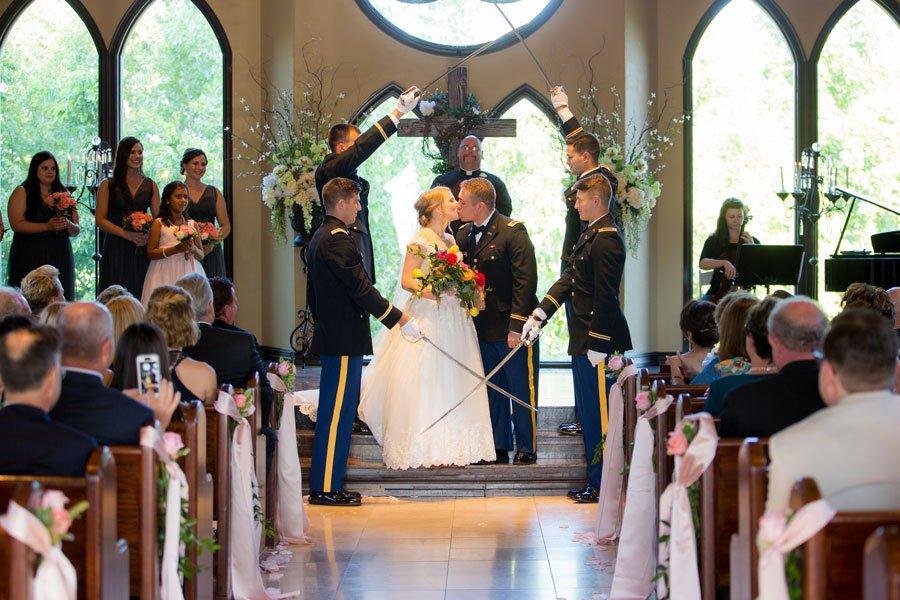 tulsa-plugged-wedding-photographer